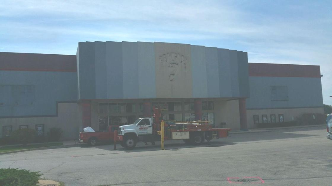 Classic Cinemas Purchases Wow 7 Theater In Sandwich Grand