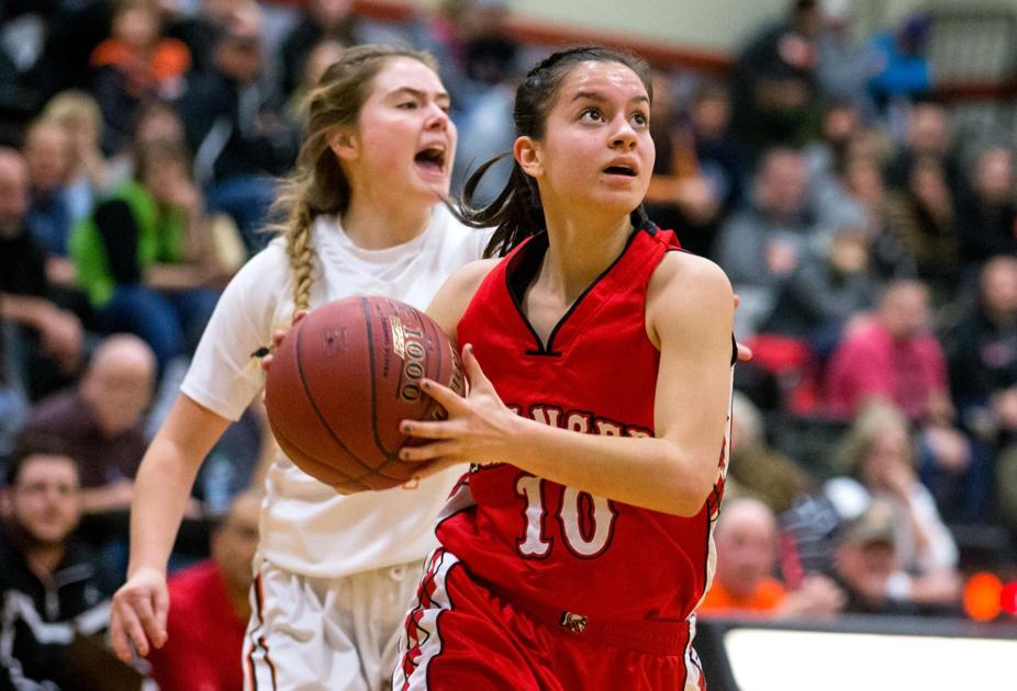 """zillah single girls Zillah girls basketball finds strength in numbers  """"with only having eight players, i've got to make sure every single one of them can last two,."""