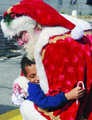 help santa deliver presents Santa enlisted the help of the villa park police department dec 23 to give gifts to local families who might not otherwise receive any this holiday season it's a tradition, the department started more than a decade ago.