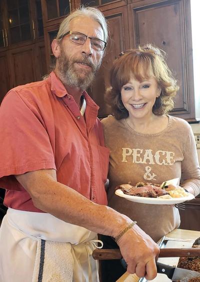 Reba McEntire visits and eats at Kountry Korner Cafe