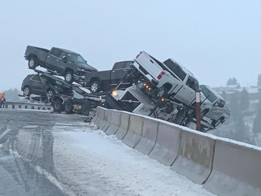 Buck Canyon semi crash