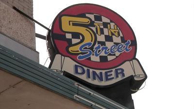 5th Street Diner Sign