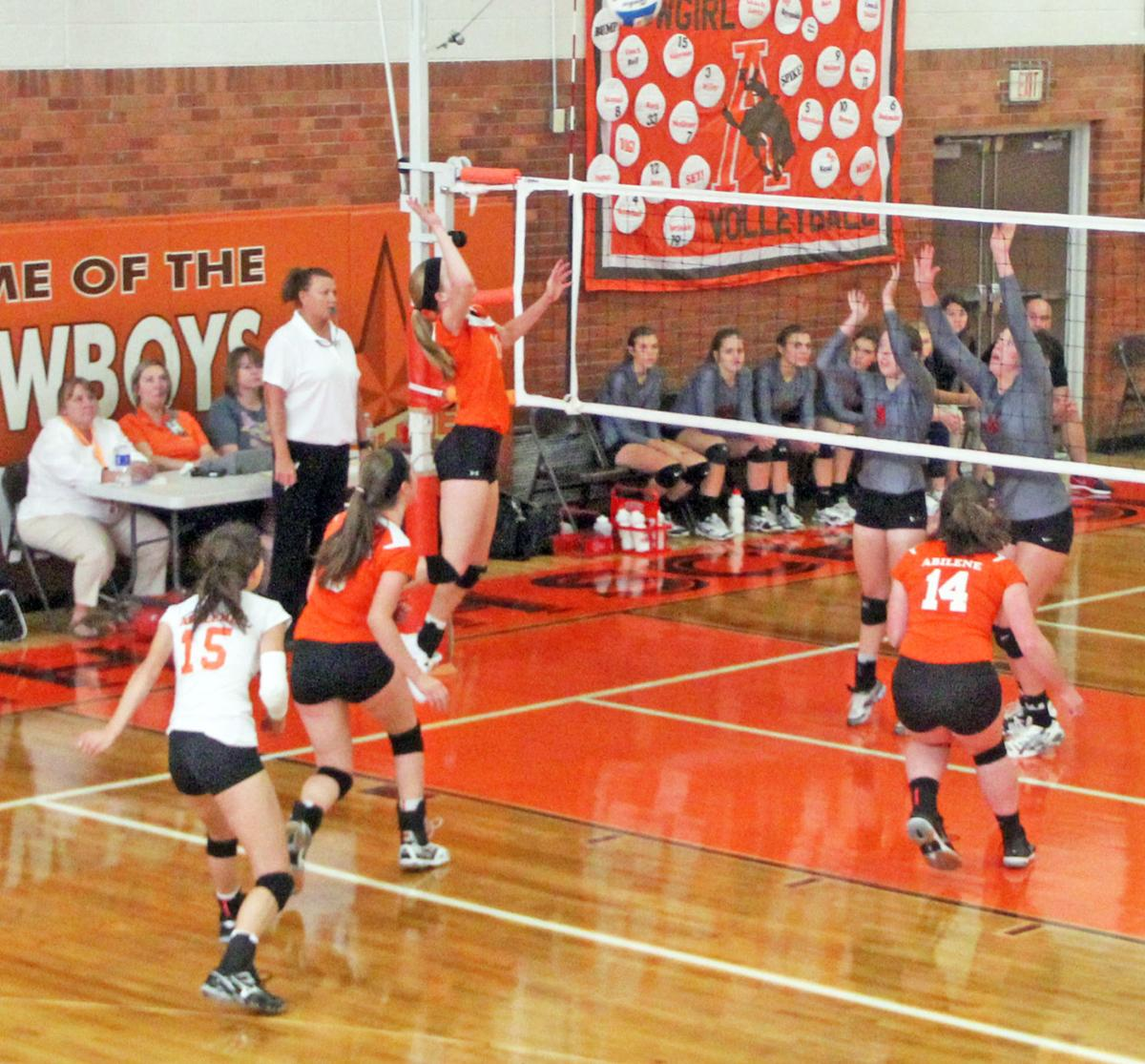 Rc Willey Sports: Willey, Alderson, Burt Return To Lead Cowgirl Volleyball