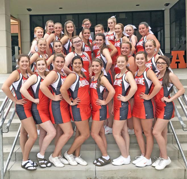 Cheerleaders class of 85 - 3 1