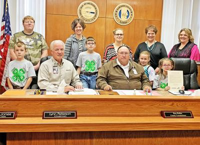 County proclaims National 4-H Week in Dickinson County