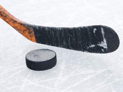 ICE HOCKEY: It's time to drop the puck