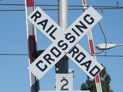 Godfrey administrator reminds residents of railroad closure