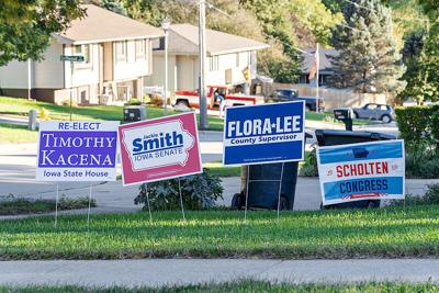 800px-Political_Lawn_Signs_in_Sioux_City,_Iowa_-_2018_Midterm_Election_(44792130662).jpg