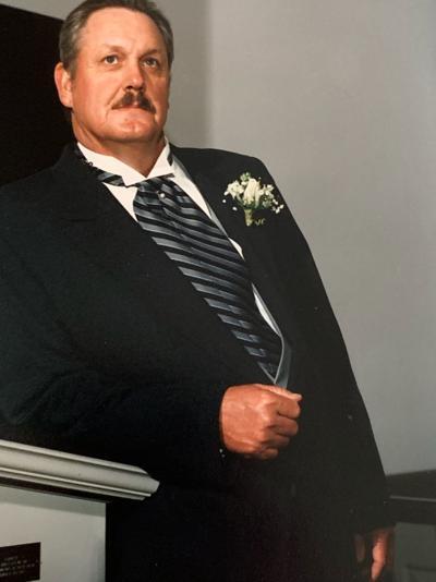 Bob Helton