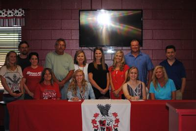 Douglas Cheerleaders Sign with Snead