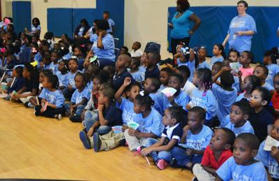 West Town students rally for reading