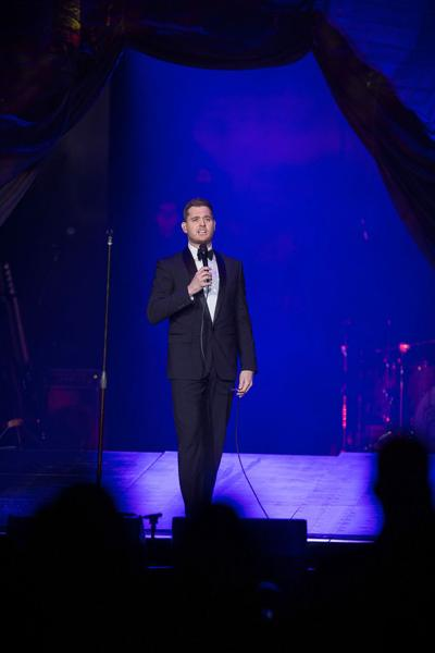 MIchael Buble goes to Hollywood for Christmas special