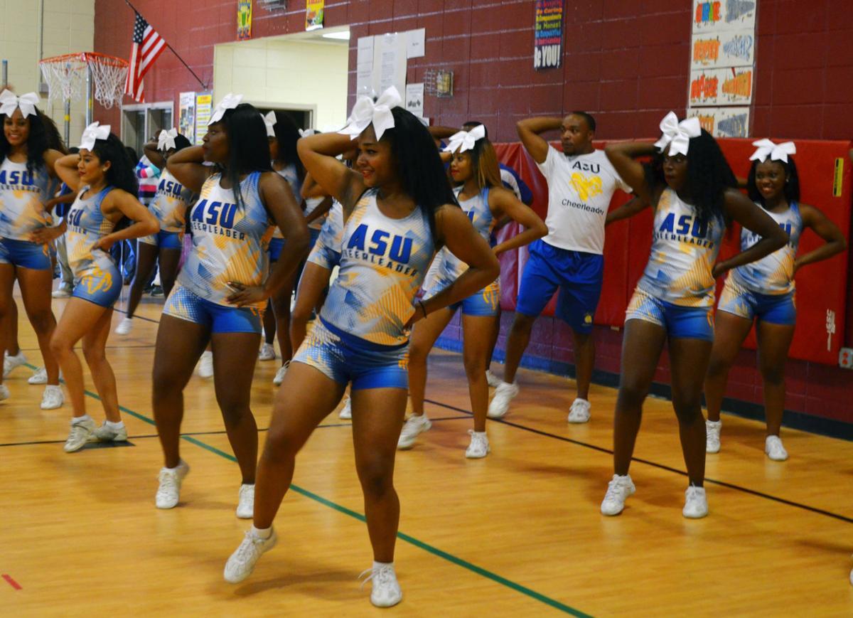 ASU cheerleaders rally young readers