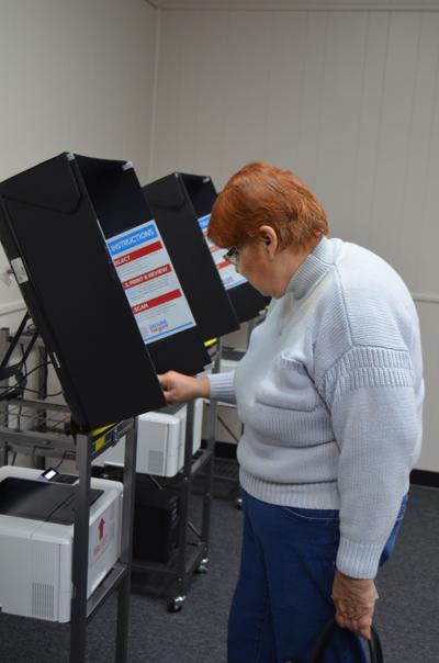 Lee County voters can pop in to 'pop-up' voting precincts to avoid election day rush