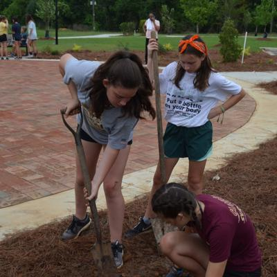 Florida church group makes a difference during a week in Albany