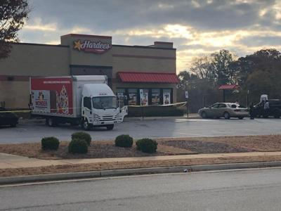 Bystander foils armed robbery at Hardee's in GA