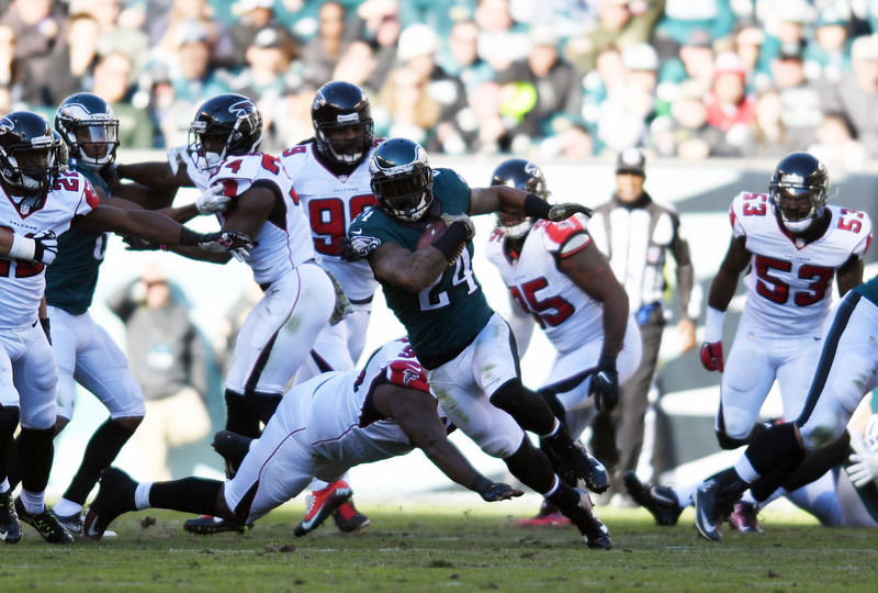 a7085068250 Philadelphia Eagles rally in fourth quarter to beat Atlanta Falcons. Philadelphia  Eagles running back Ryan Mathews (24) carries the ball against ...