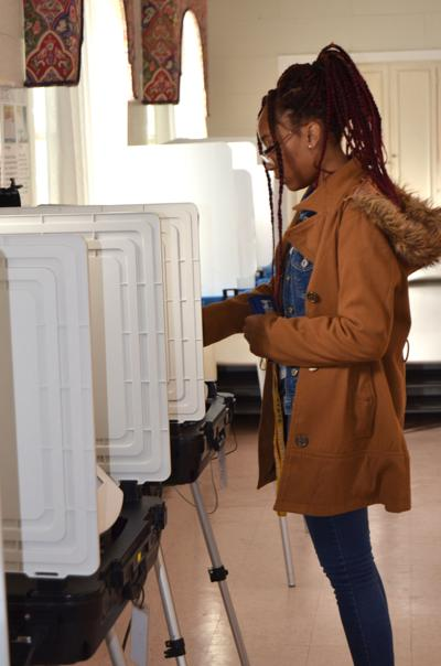 Early voting chance for election officials to do test run on new voting machines