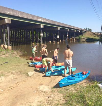Flint River sewage spill adversly impacts kayak business