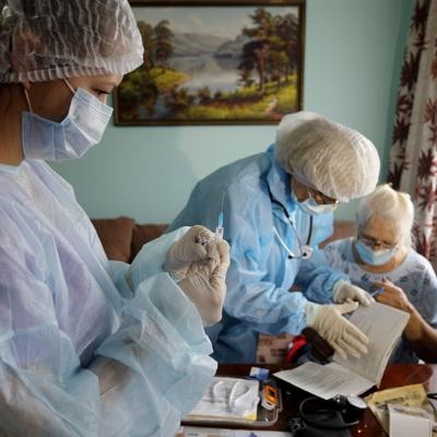 Moscow orders unvaccinated over-60s to stay home for 4 months as Russia's Covid-19 crisis deepens