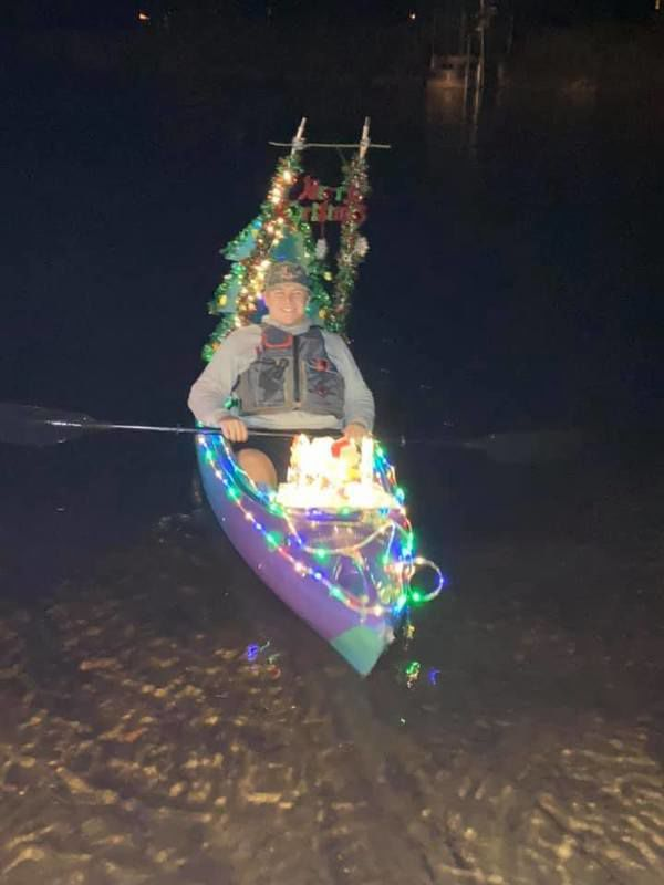 600x800 Eli Harrell, Night, in Pictures: WWALS Light Parade at Banks Lake, by Shelby Miller, for WWALS.net, 21 December 2019