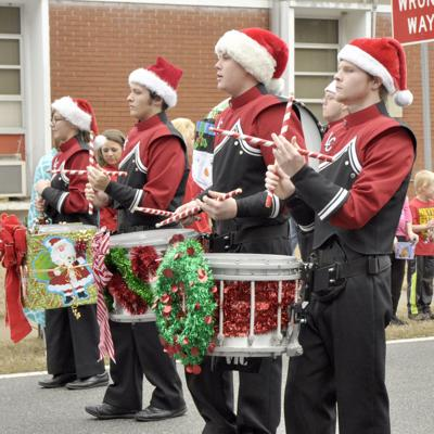 Holiday parades happening in Albany, Leesburg on Saturday
