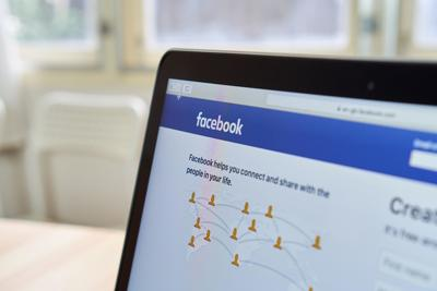 Facebook considers banning political ads in days before US election