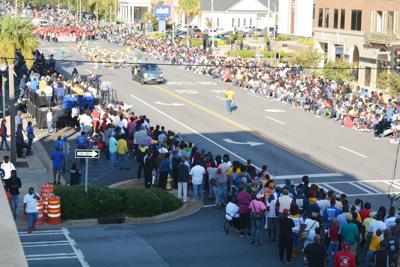 parade crowd.JPG