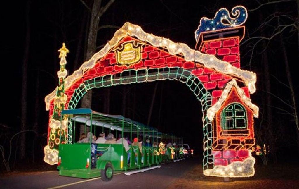 Fantasy In Lights Callaway Christmas Lights Mark 24th Year