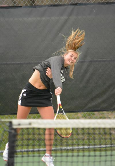 Women's tennis starts conference play with 1-1 record after home weekend