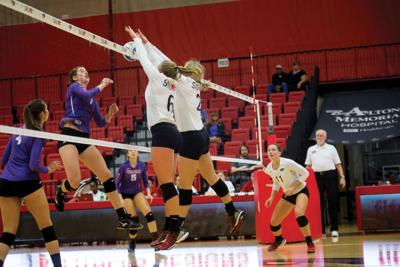 Volleyball wins Columbia Classic