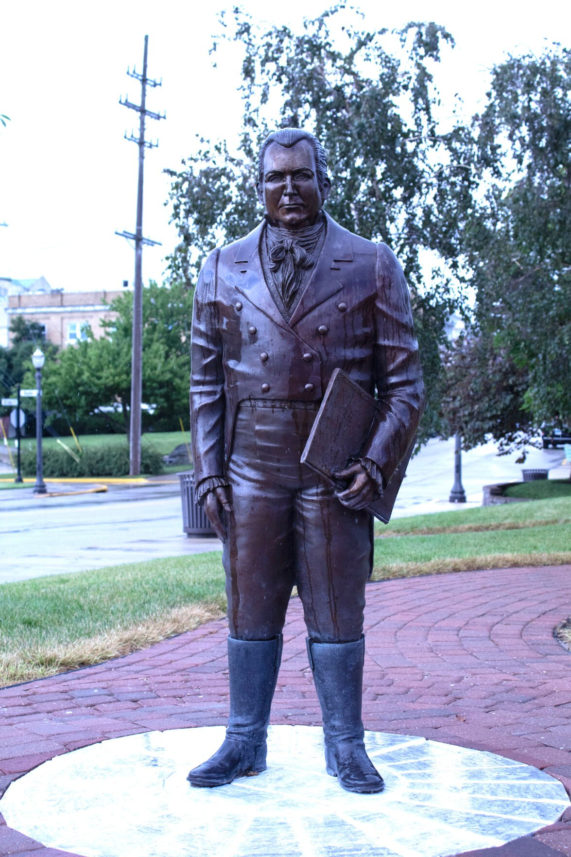 Ninian Edwards statue taken off  pedestal, future location uncertain