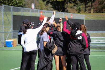 Tennis finishes season 7-5 overall