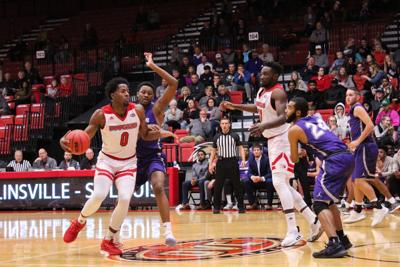 Men's basketball dominates opening exhibition