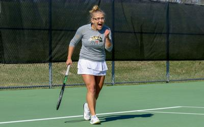 Tennis transfer Alina Munteanu smashes expectations for DI play