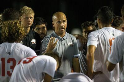Men's soccer loses Bronze Boot game in double overtime