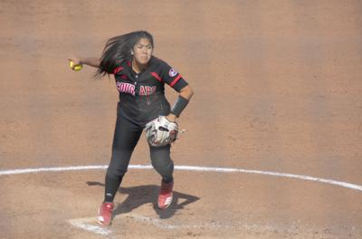 Softball splits doubleheader vs. SEMO