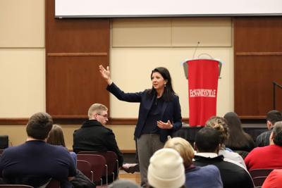 Congressional candidate visits campus  to promote student involvement in politics