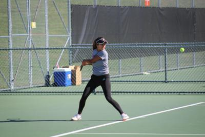 Tennis remains undefeated following weekend of home wins