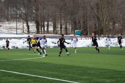 Men's soccer wins shutout game against Evansville