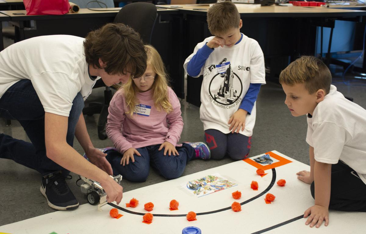 Robotics event brings hands-on learning to elementary students