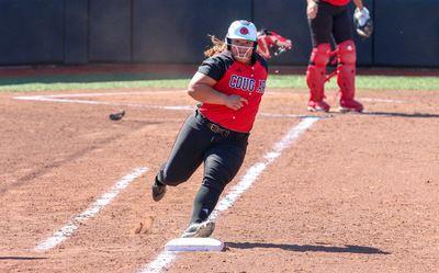 Softball to make home runs in Hawaii | Sports | alestlelive com