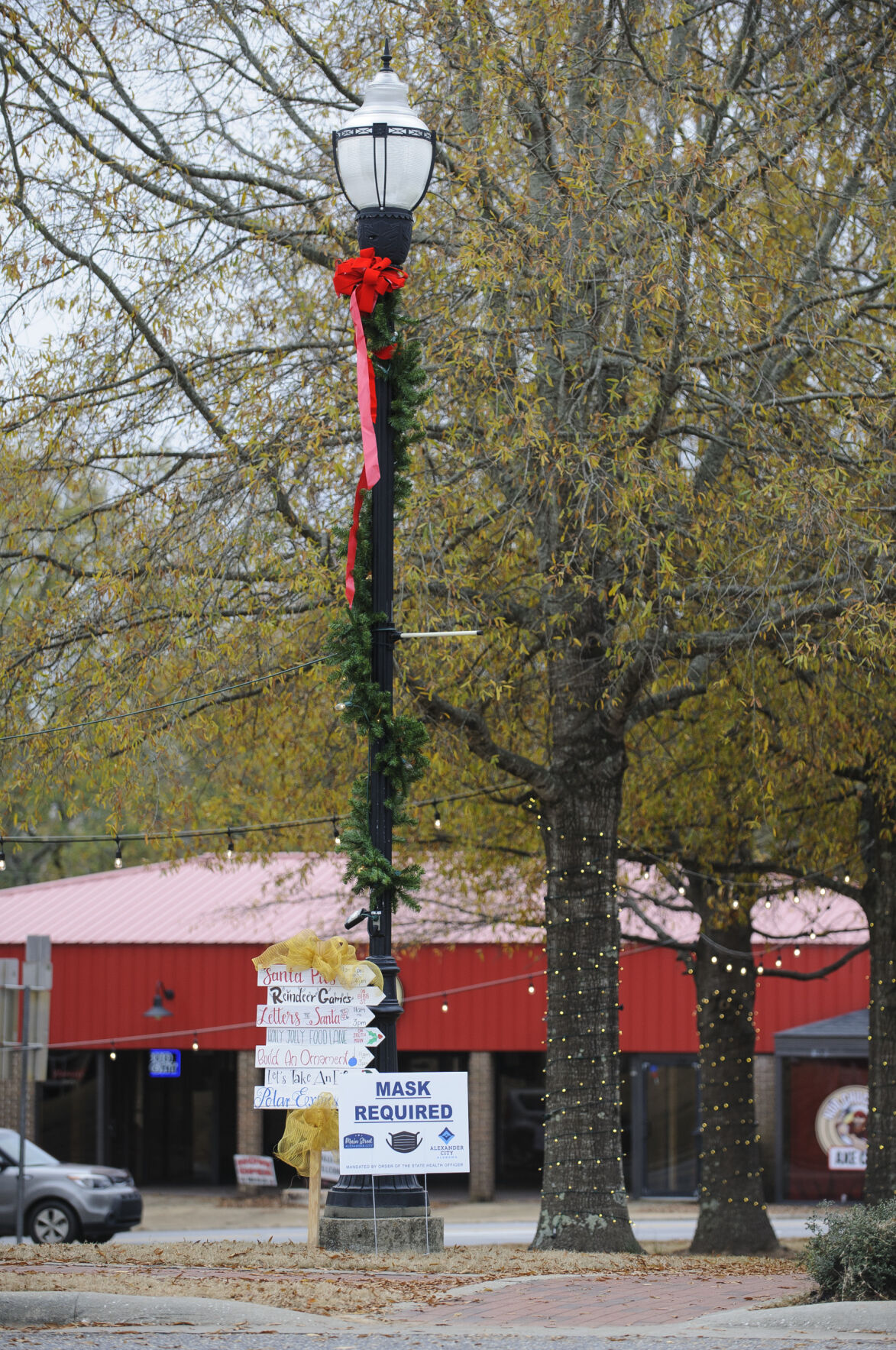 Main Street A Downtown Christmas