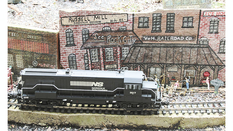 Model train runs from Dadeville to Amsterdam