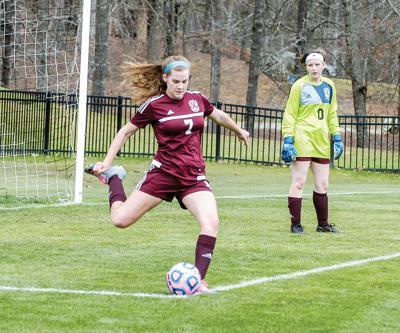 0512-BRHS girls soccer2.jpg