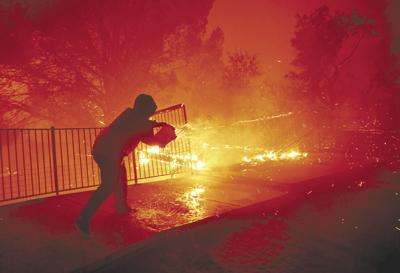 US-NEWS-CALIF-WILDFIRES-2-LA