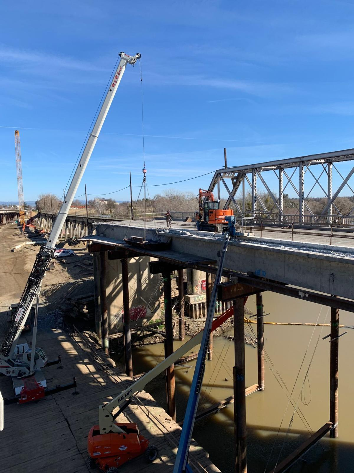 Fifth Street Bridge construction