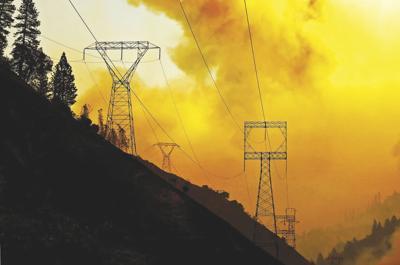 US-NEWS-CALIF-WILDFIRES-UTILITY-LA