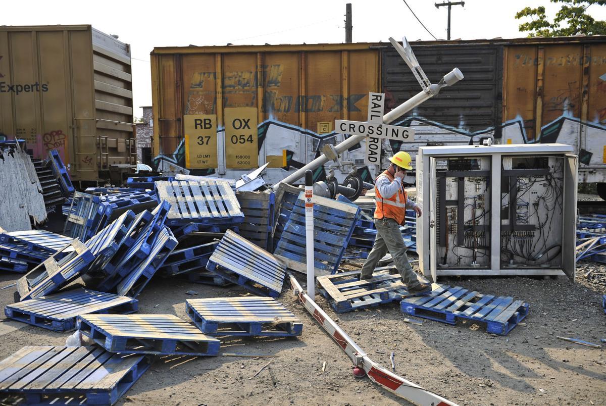 Train hits semi in Live Oak, causing traffic mess | News