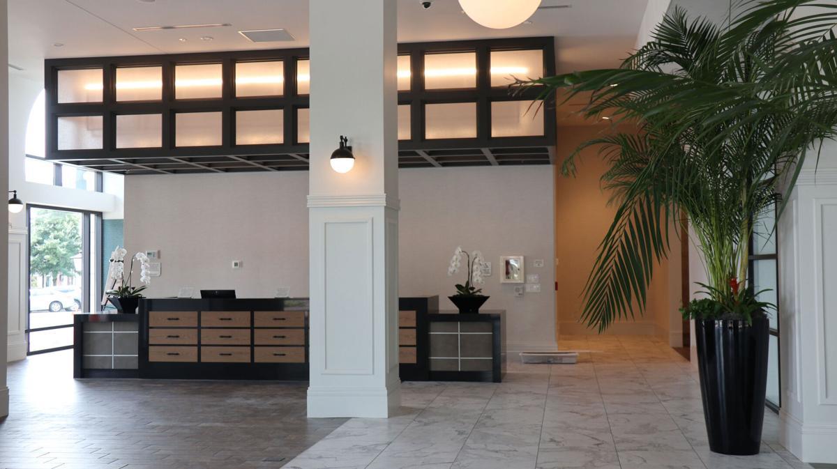 Hamilton Hotel Alpharetta lobby
